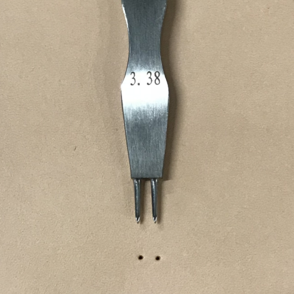 不鏽鋼雙圓孔斬 1.8/3.38mm座孔徑/間距(約略)