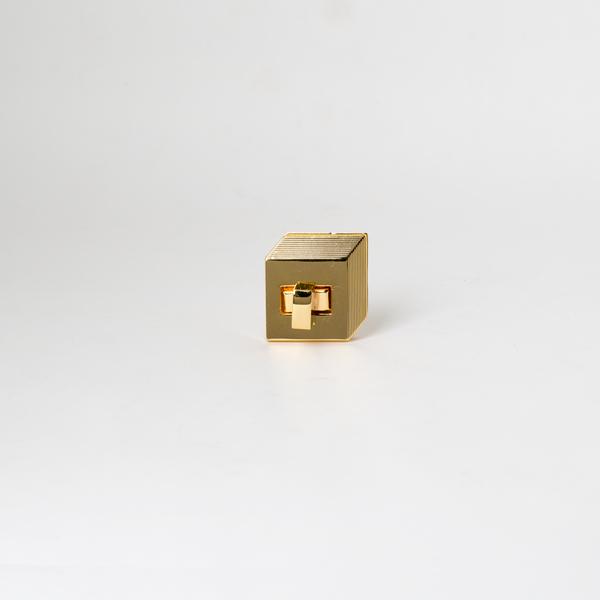 日製轉釦 金色 30mmX28mm