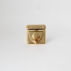 日製方鎖釦 金色 40x48mm