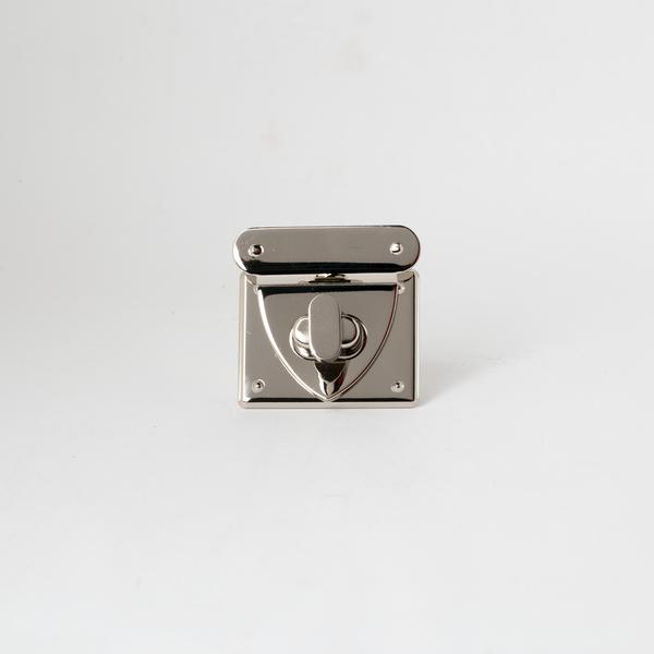 日製方鎖釦 銀色 40x48mm