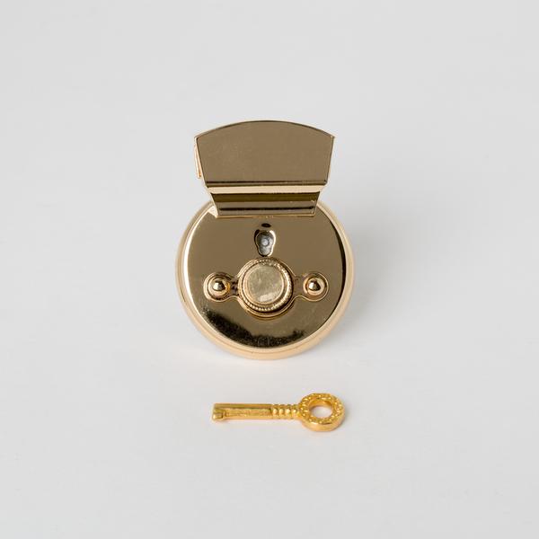 凱莉圓插釦 金色 50x35mm