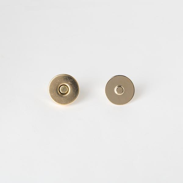 大磁釦 金色 18mm