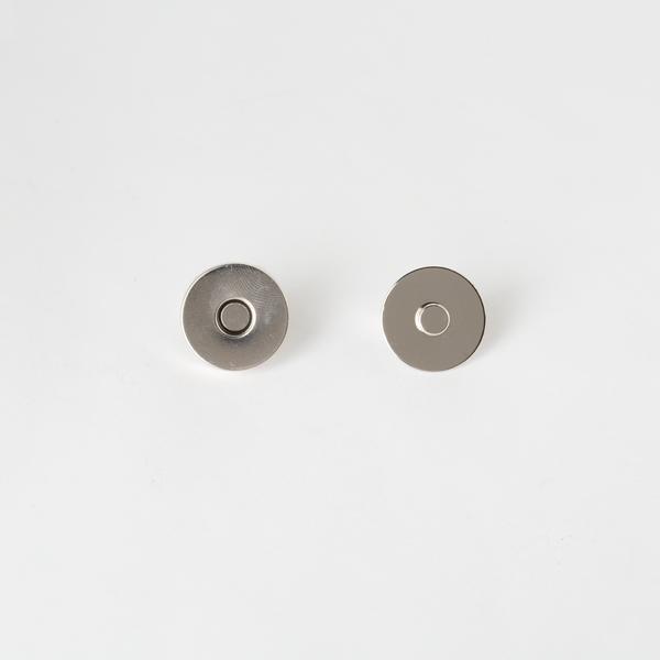 大磁釦 銀色 18mm